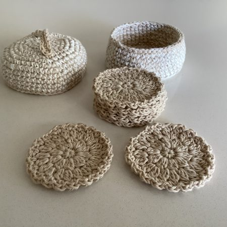 Cotton Face Pads In Basket